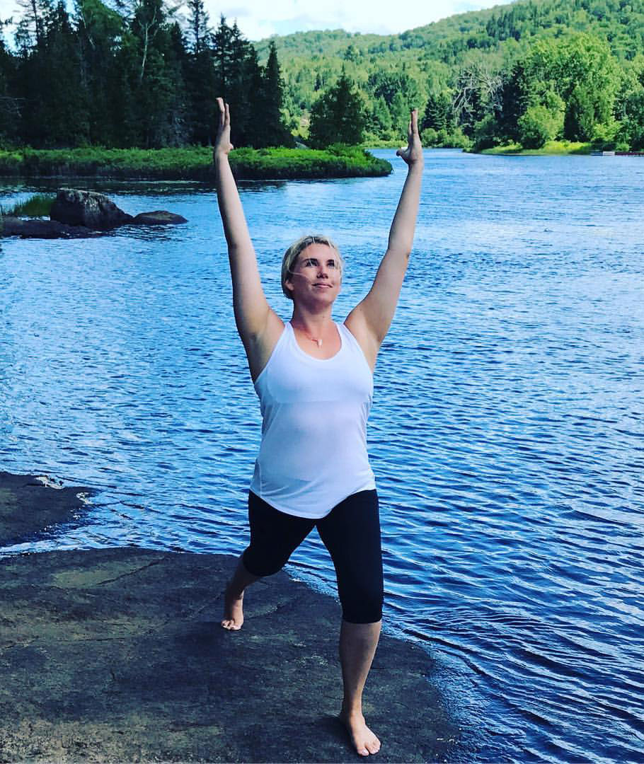 In this video, certified yoga instructor and chair yoga instructor for arthritis, Julia McNally (The RA Yogi), guides participants...