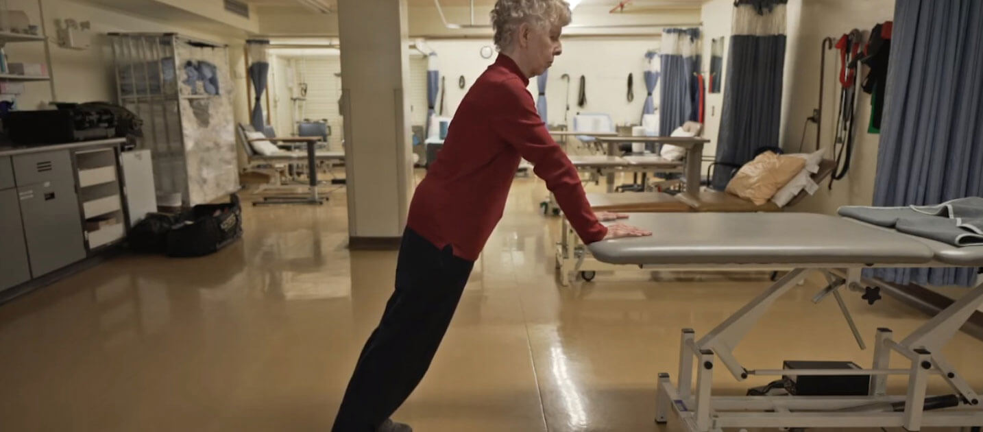 An exercise program that targets specific muscle groups and the area (s) affected by osteoarthritis can help reduce pain and disability.