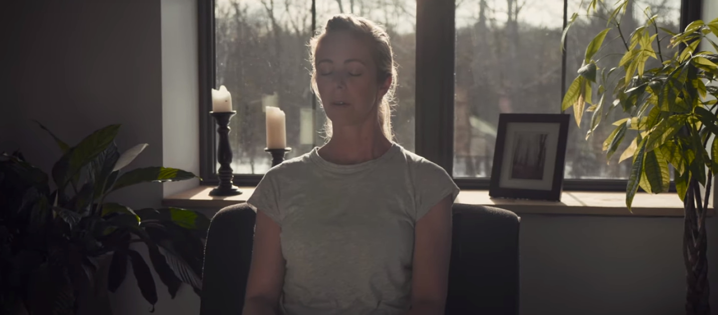 In this Arthritis Advice video, Arthritis Society social worker Margaret Smit-Vandezande explores how mindful meditation can help you...